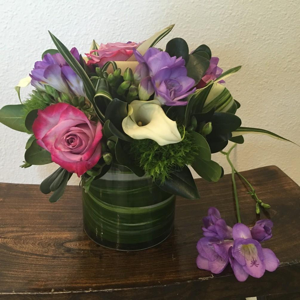 Gelin Çiçekleri ve Güller