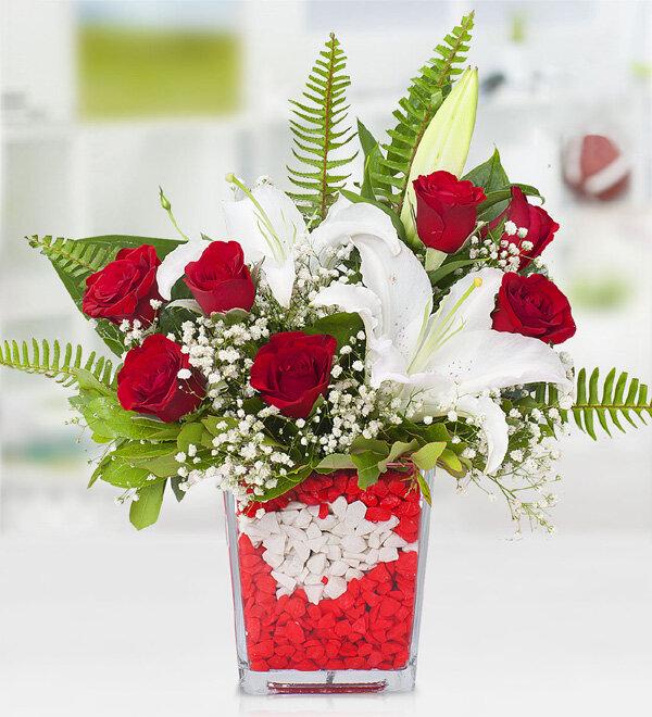 Kırmızı Güller ve Lilyum